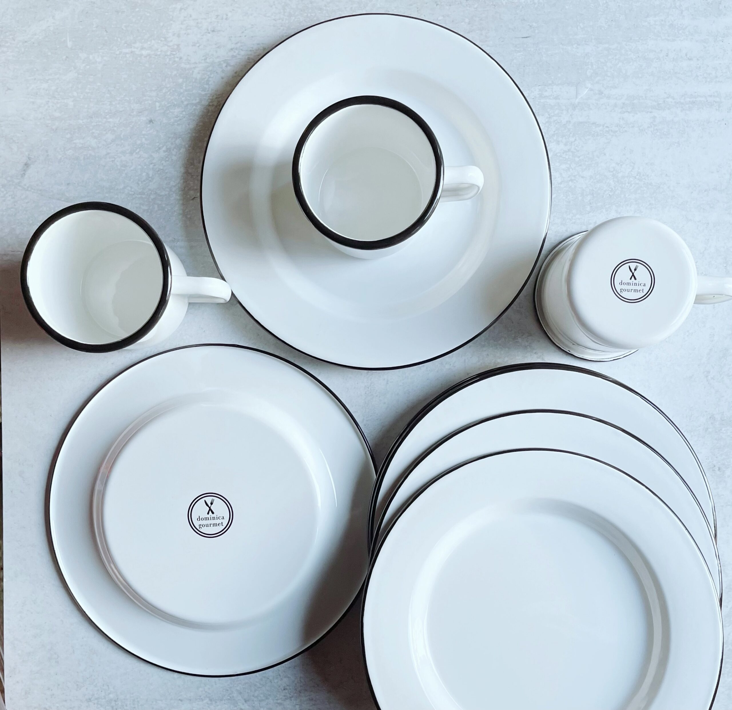 enamel-plates-and-cups